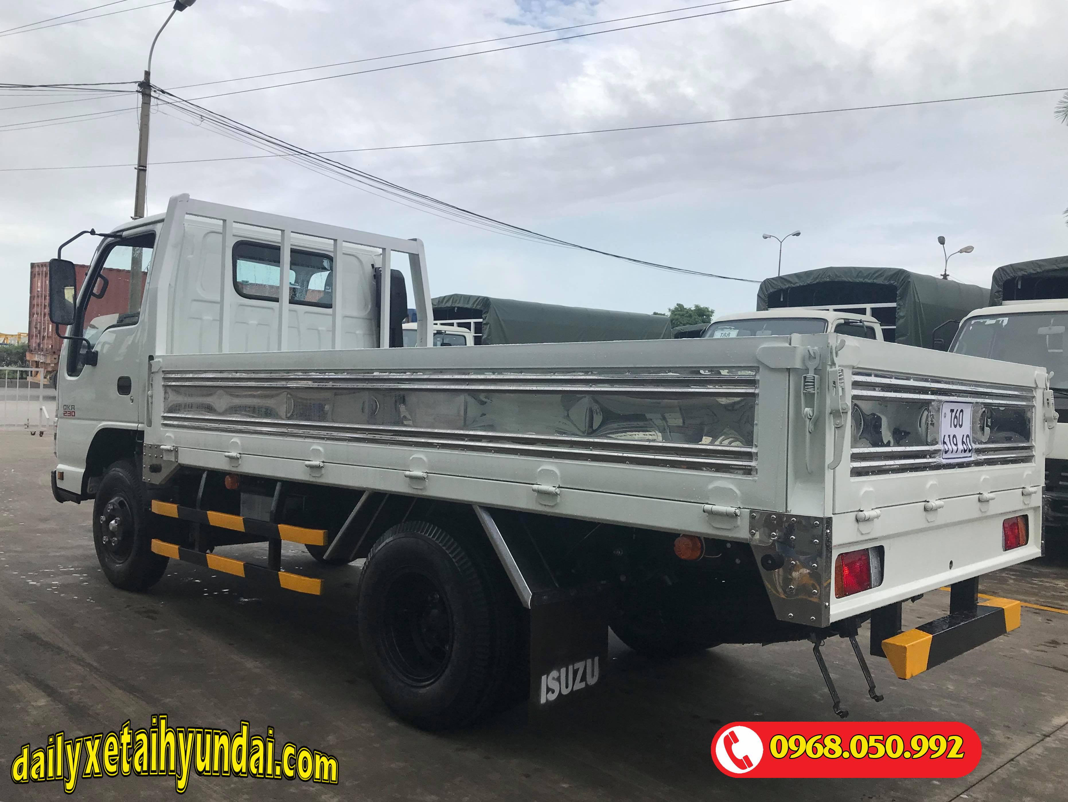 xe tải isuzu 2.4 tấn thùng lửng