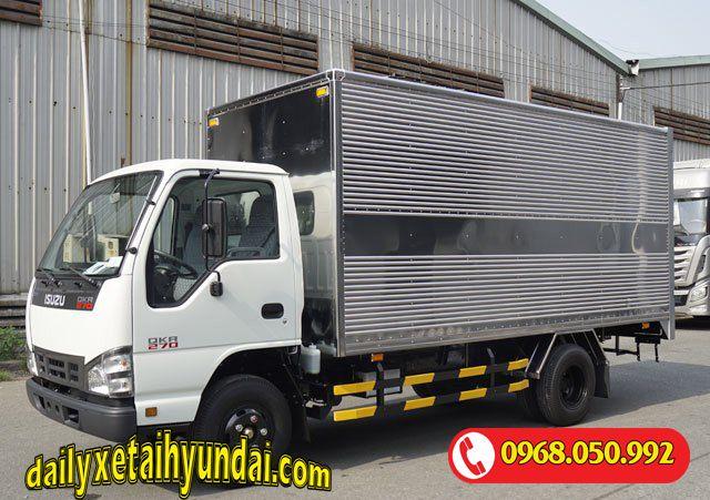 Xe tải Isuzu 2t4 thùng kín