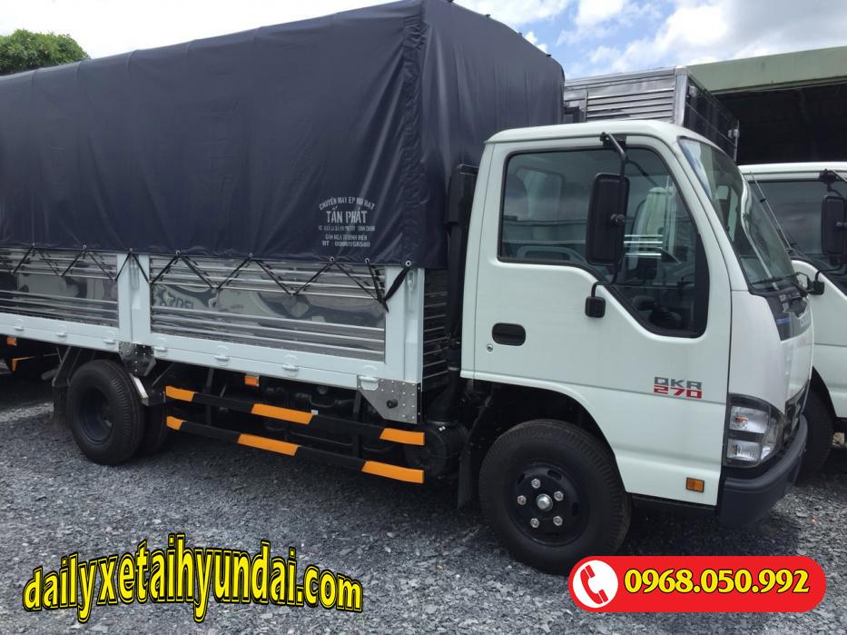 Giá xe tải Isuzu 2t4 thùng bạt