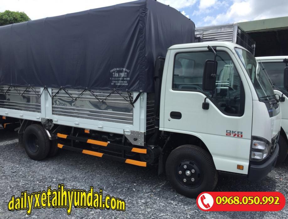 Xe tải Isuzu 2.4 tấn thùng bạt
