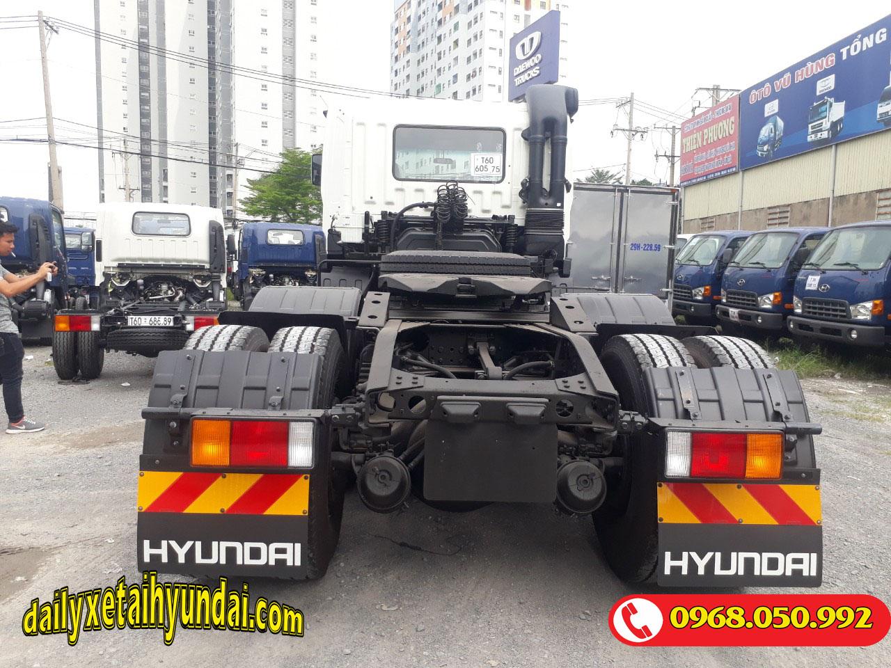 Cầu xe đầu kéo Hyundai HD1000