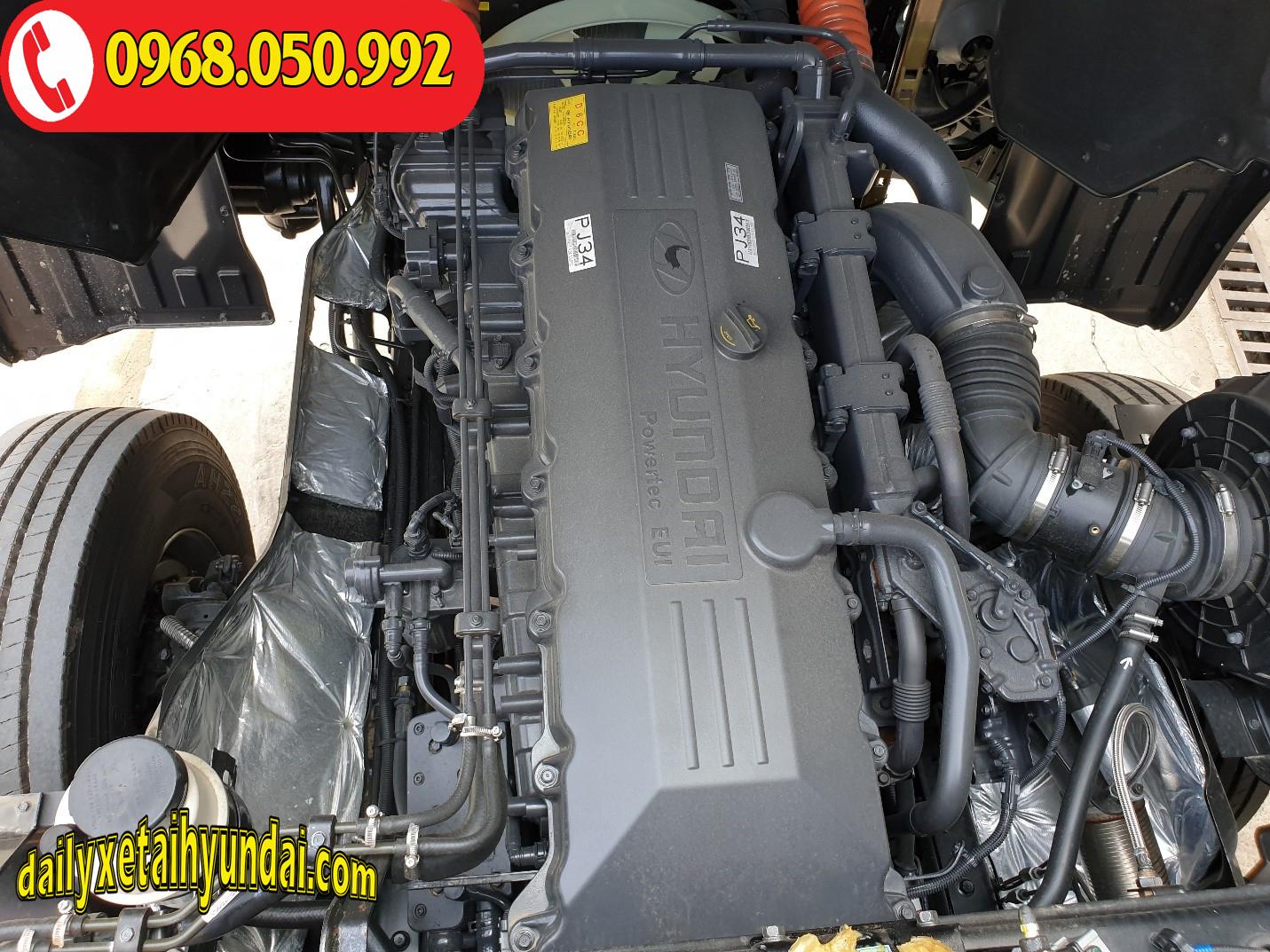 Động cơ xe đầu kéo Hyundai HD1000