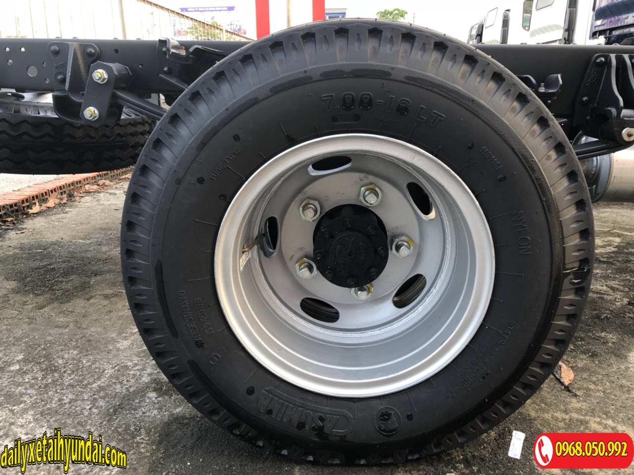 Lốp sau xe tải JAC 3t5